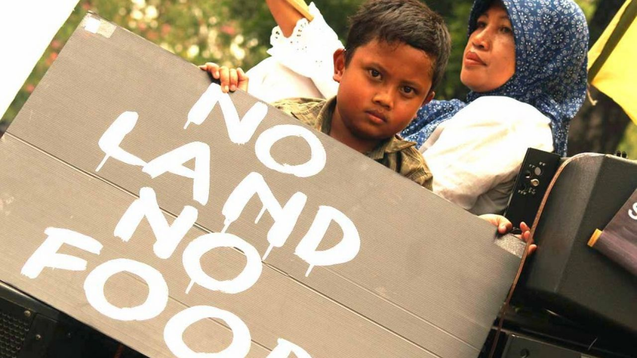 No land no food - palm oil protest