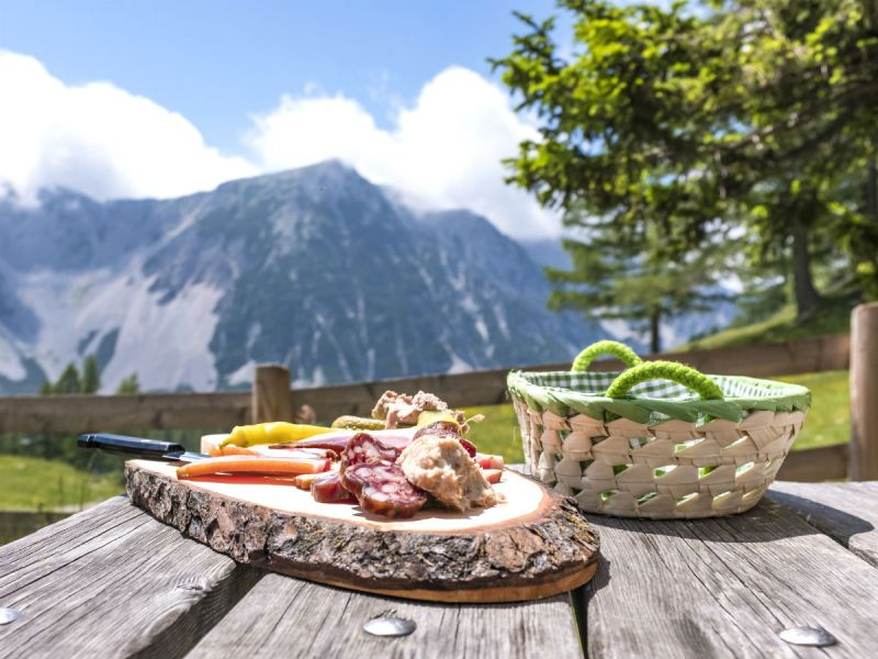 Al-fresco dining with a mountain view