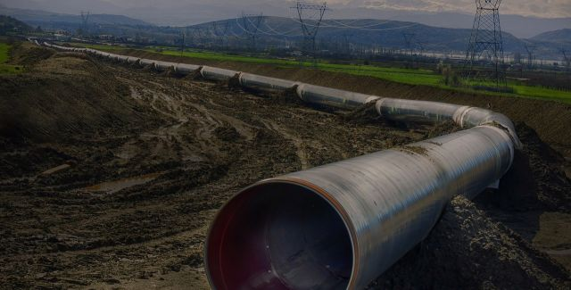 Picture of an oil pipeline
